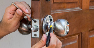 Door Lock Guide & Types of Door Locks - Grainger Industrial Supply
