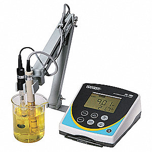 pH/Conductivity benchtop meter