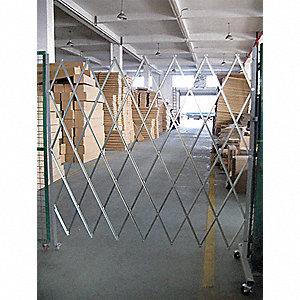 FOLDING GATE OPENING 5-6 FT