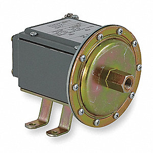 "Standard SPDT Vacuum Switch, Differential: 0.8 to 9""Hg, NEMA Rating: 4, 4X, 13"