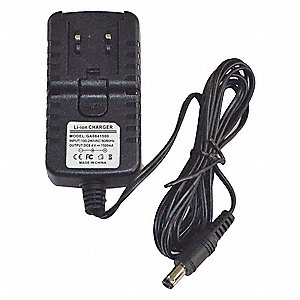 BATTERY CHARGER WITH PLUG