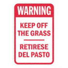 Warning : Keep Off The Grass Retirese Del Pasto Signs
