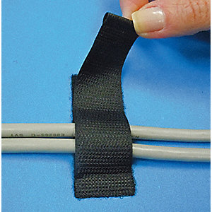 "Hook-and-Loop-Type Back-to-Back Strap with Rubber Adhesive, Black, 1"" x 2-1/2"", 25PK"